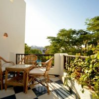 A Beautiful 1 bedroom, pool view with a private entrance