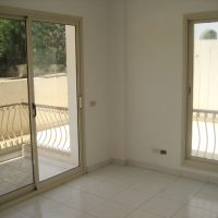 Unfurnished 1-bedroom flat with 58 sqm in Sea Street for rent