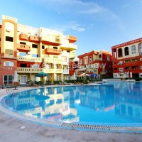 FOR RENT !!! Two bedroom apartment in Maraqia Resort, Nabq. Pets allowed.