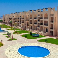 Apartment for sale in Sunny lakes.