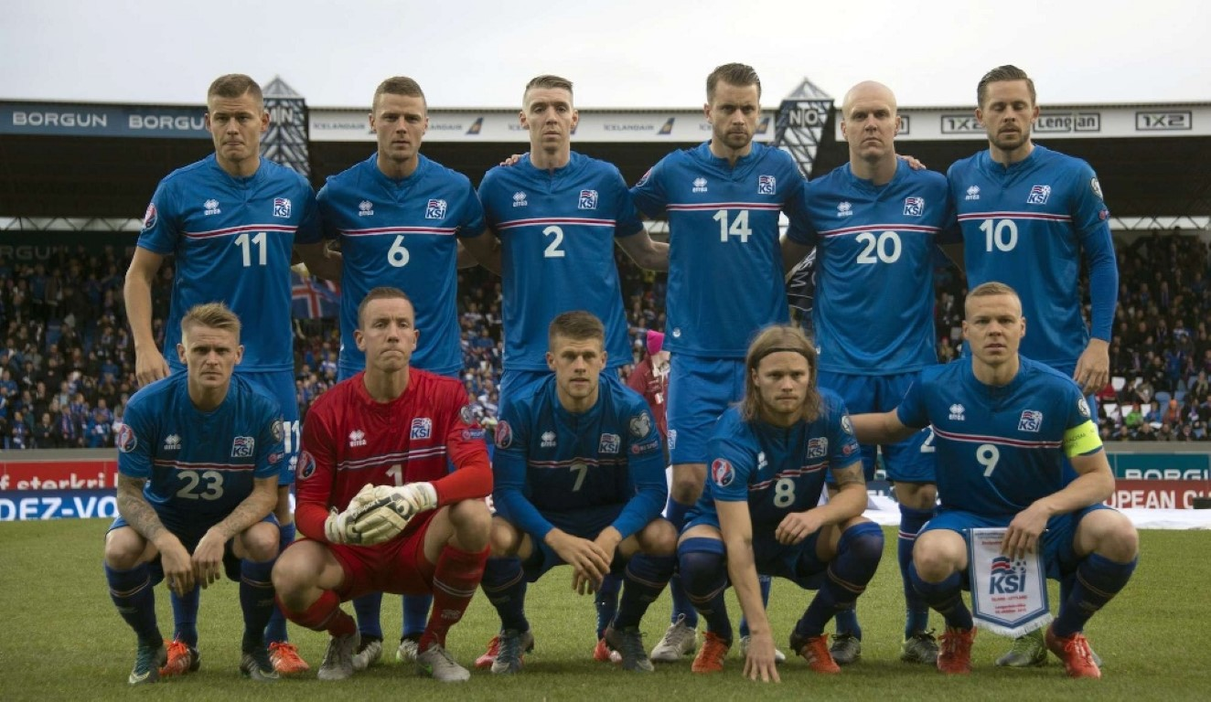 team photo for Iceland
